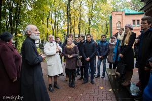 12 октября студенты Института теологии первого и второго курсов побывали на экскурсии в храме св. Александра Невского на Военном кладбище г. Минска.